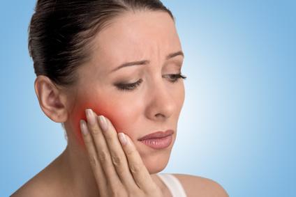 Schmerz durch Zahnfleischbluten